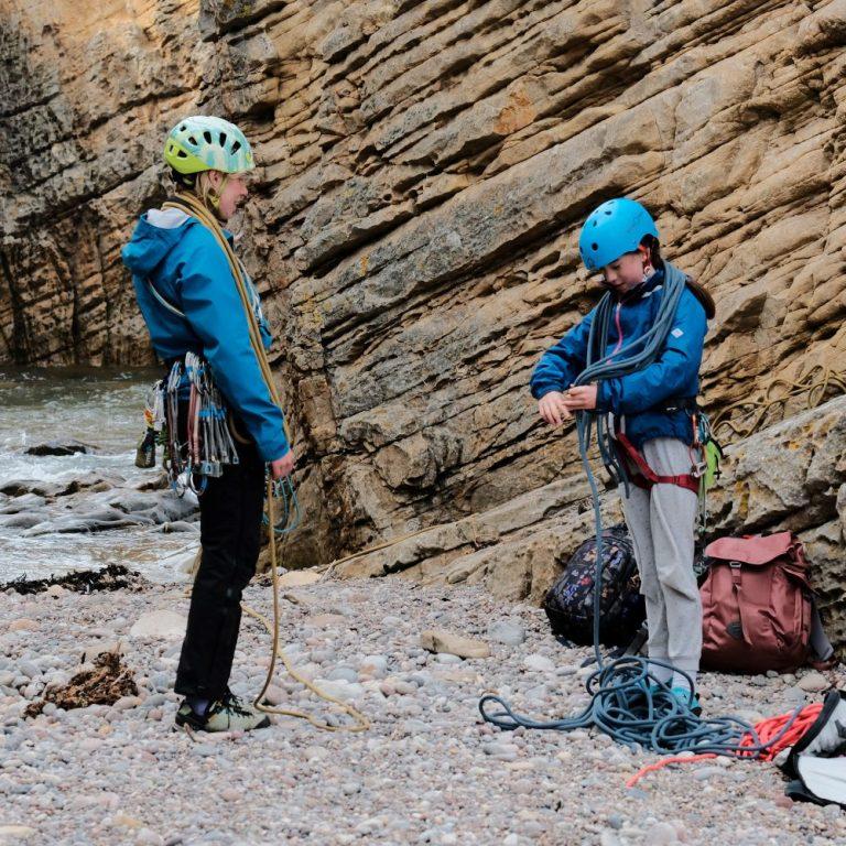 Rock Climbing introdution learn to trad climb Cummingston 2